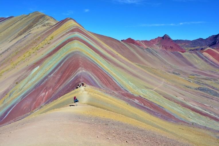 Belíssima vista do Cerro Colorado, em Cusco, Peru.