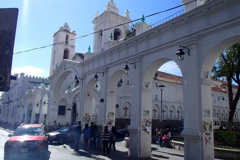 """Sucre, a """"cidade branca"""", considerada a cidade mais bonita da Bolívia"""