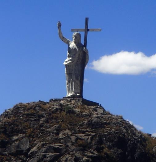 """No caminho, passamos pela estátua do """"Jesus Cervejeiro"""", que está sempre pedindo uma saideira"""