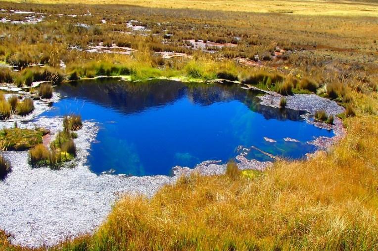 Lagoa de 7 cores, em Huascarán
