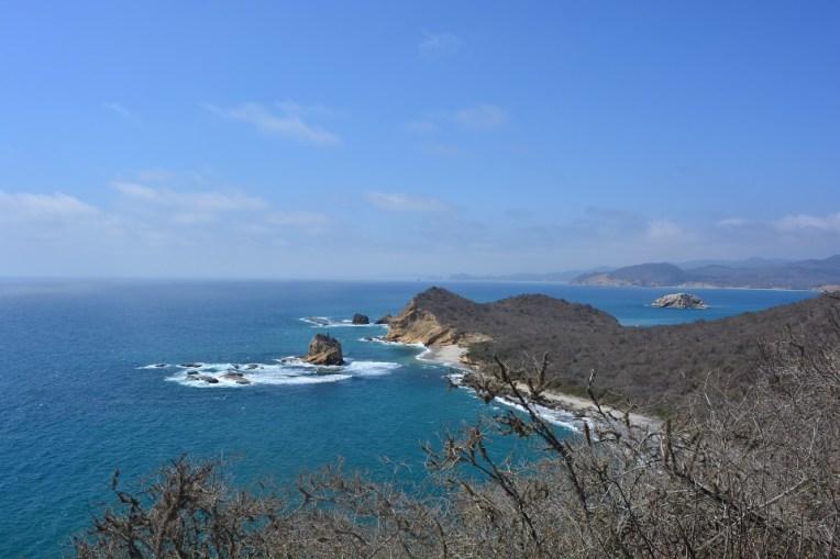 Praia vizinha de Los Frailes, vista do mirador. Para quem quer tranquilidade, esta é bem mais deserta.