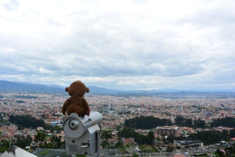 Mucuvinha no mirante de Turi admirando Cuenca