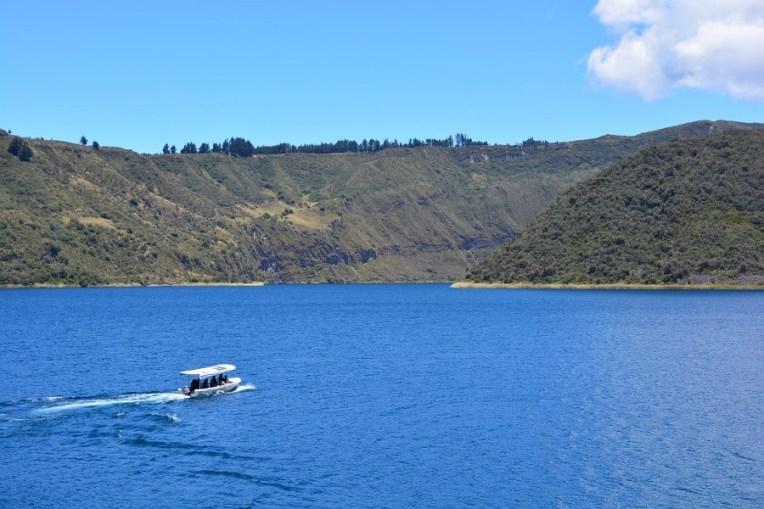 Passeio de barco pela lagoa Cuicocha, Otavalo, Equador