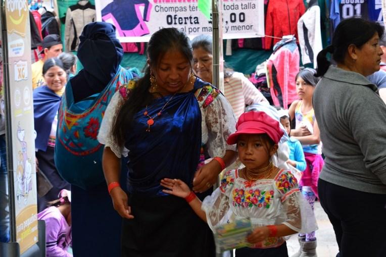 Criança em Otavalo, Equador