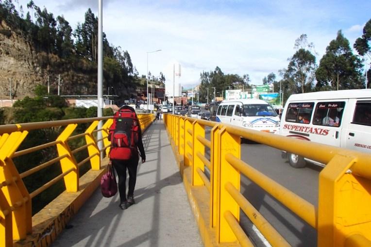 Cruzando a fronteira Equador - Colômbia