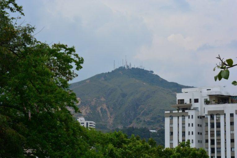 Cerro das 3 Cruces, visto de San Antonio. Cali, Colômbia