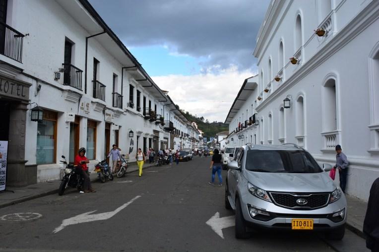 Edificações brancas em Popayán