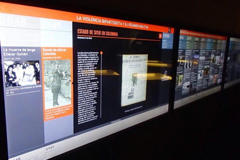 Telas interativas no Museo de la Memória