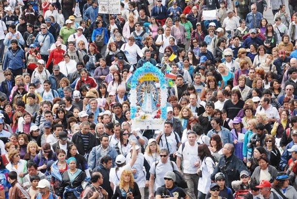 A peregrinação a pé a Luján é a maior manifestação de fé na Argentina