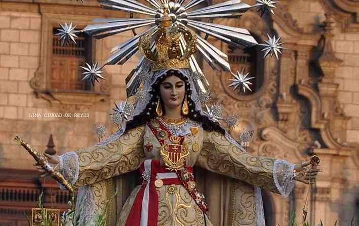 Estátua da Virgem de la Merced, em Lima