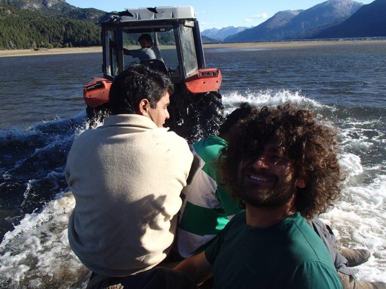 Carona com trator na Patagônia Argentina