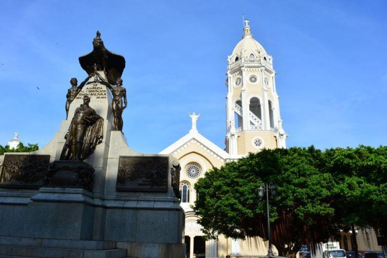 Estátua de Simón Bolívar no Casco Viejo da Cidade do Panamá.