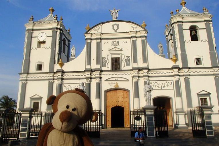 Mucuvinha na igreja de Rivas