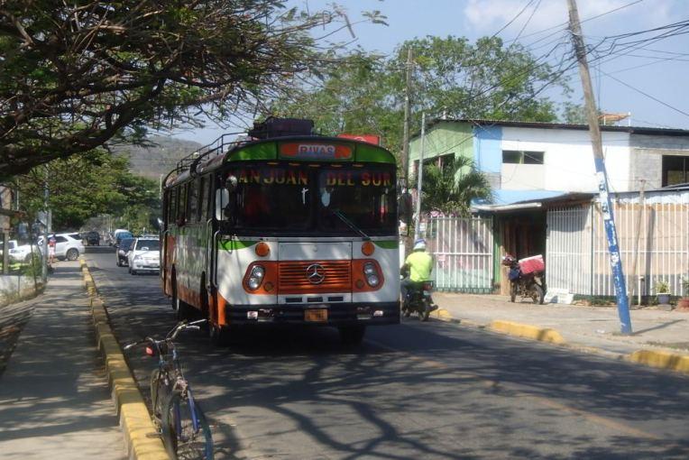 Ônibus que leva a San Juan del Sur