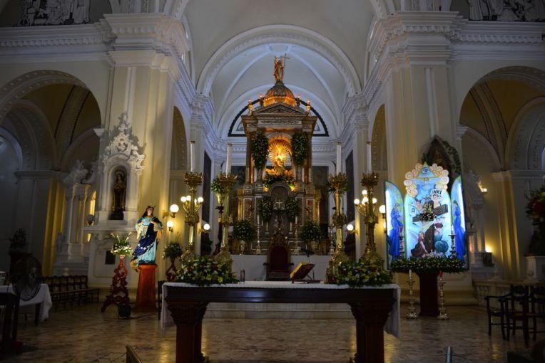 Interior da Catedral de León, Nicarágua