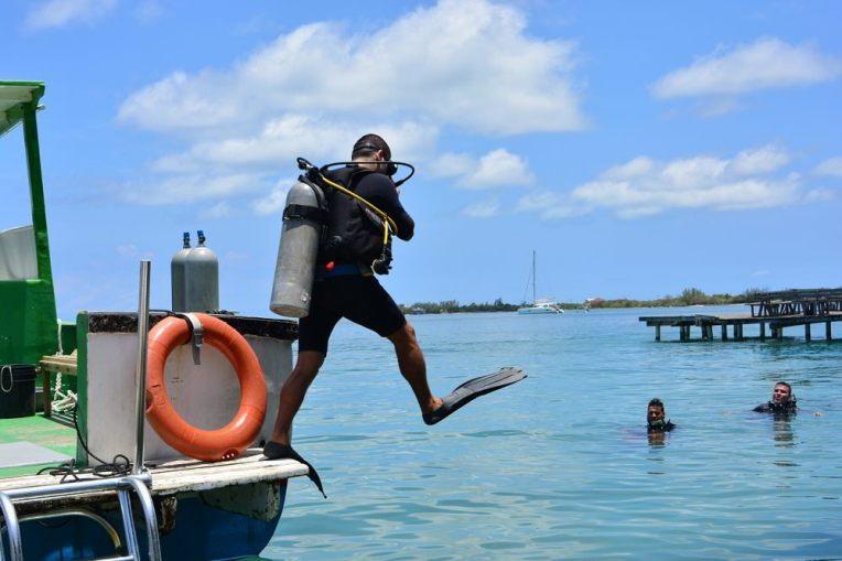 Aprendendo a mergulhar em Utila