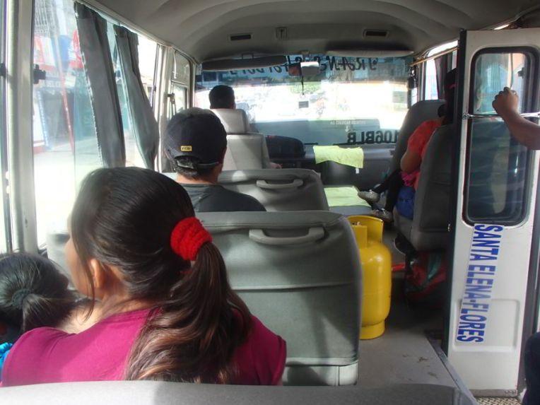 Ônibus para a fronteira de El Ceibo