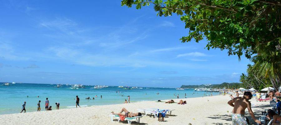 Bela praia de White Beach, Boracay