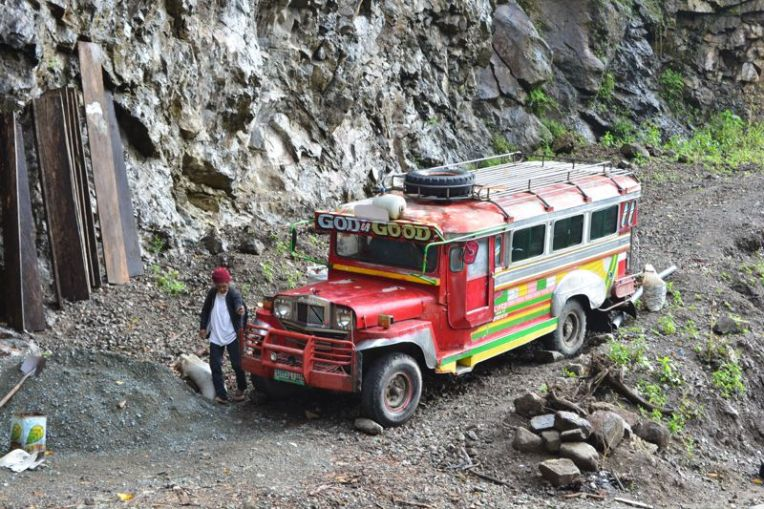 Jeepney que faz o trecho Banaue - Batad