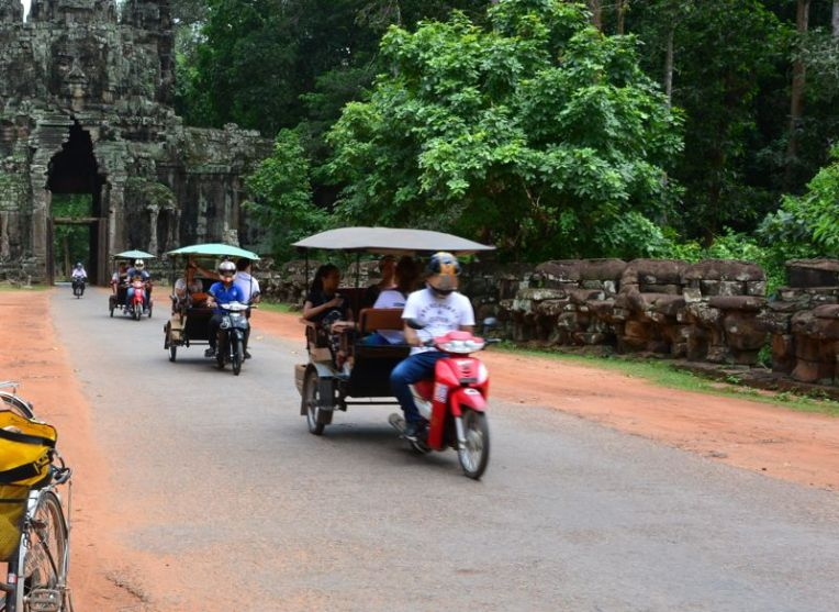 Tuk tuk em Angkor