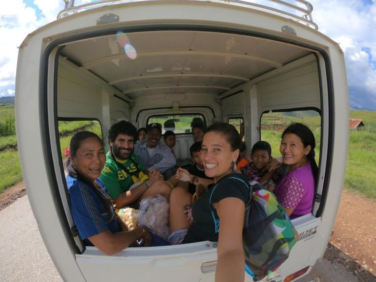 Viajando de carona pelo Myanmar