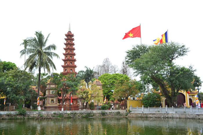 Templo de Tram Quoc, Hanói