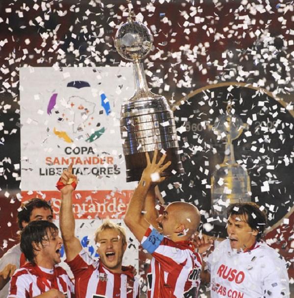 Top 10 clubes com mais títulos da Libertadores - Estudiantes