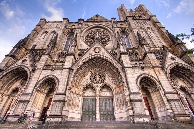 Top 10 maiores templos cristãos do mundo - Catedral de São João Divino