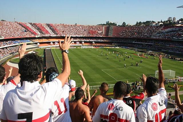 Top 10 clubes brasileiros com mais sócios-torcedores - São Paulo