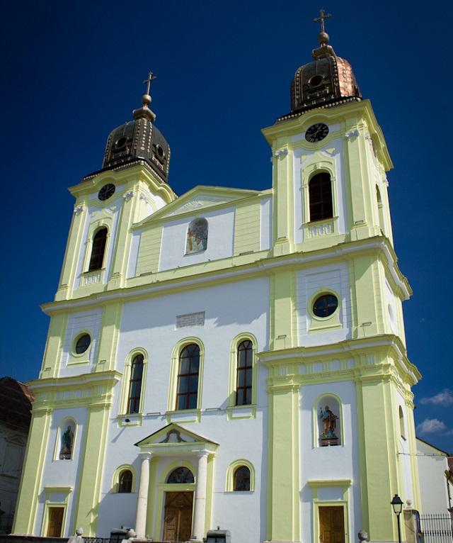 Top 10 maiores igrejas católicas do mundo - Igreja Católica Grega Romena
