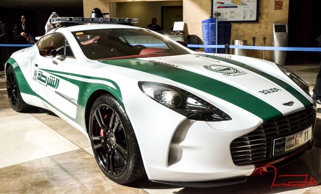 Top 10 carros de polícia mais caros do mundo - Aston Martin One-77