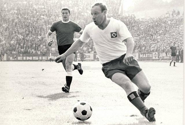 Top 10 maiores artilheiros de futebol de todos os tempos - Uwe Seeler
