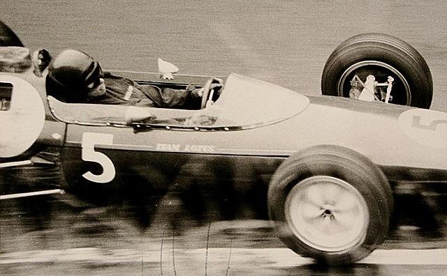 Top 10 pilotos de Fórmula 1 com mais voltas consecutivas na liderança - Jim Clark