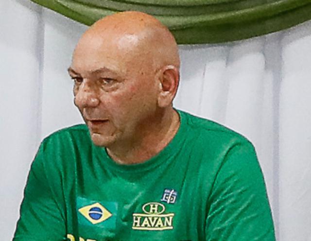 Homens mais ricos do brasil Luciano Hang