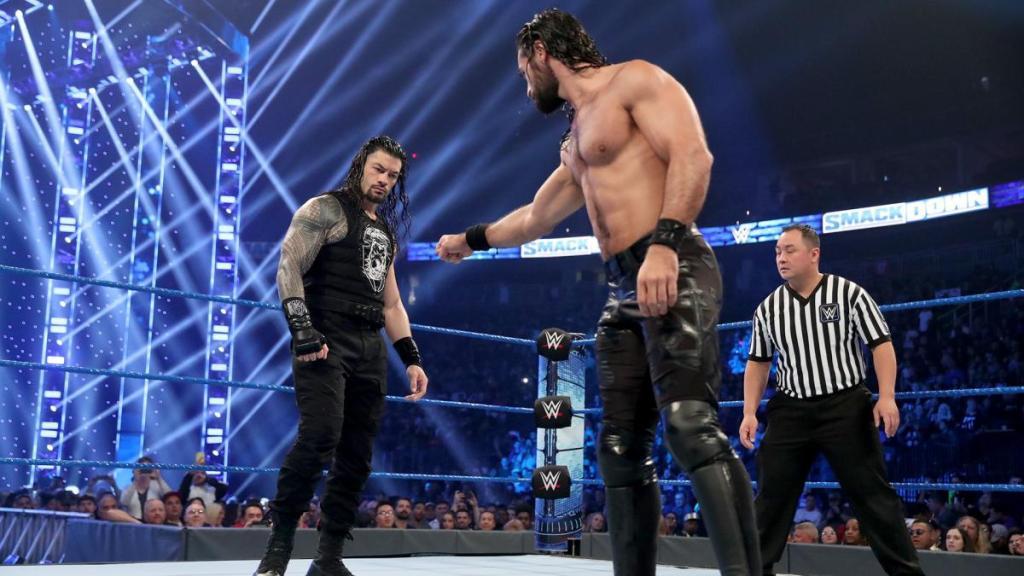 Seth Rollins y Roman Reigns en un combate en SamckDown