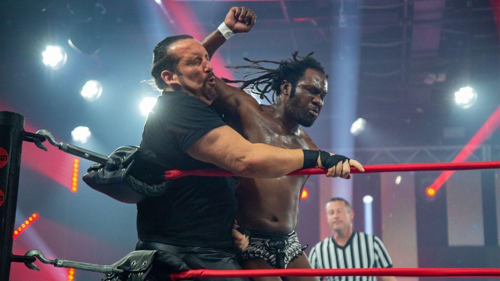 Swann y Dreamer durante el combate