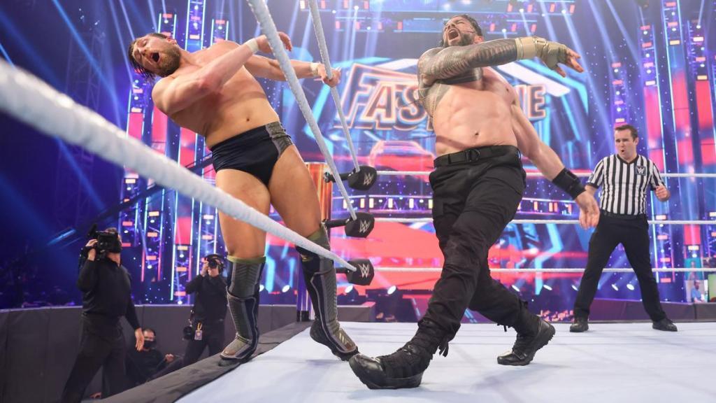 Roman y Daniel Bryan