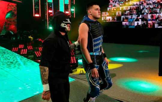 """Dominik Mysterio, sobre su debut con Seth Rollins: """"Pensé que era una broma"""""""
