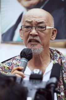 松山千春、鈴木宗男氏の応援で「大空と大地の中で」熱唱