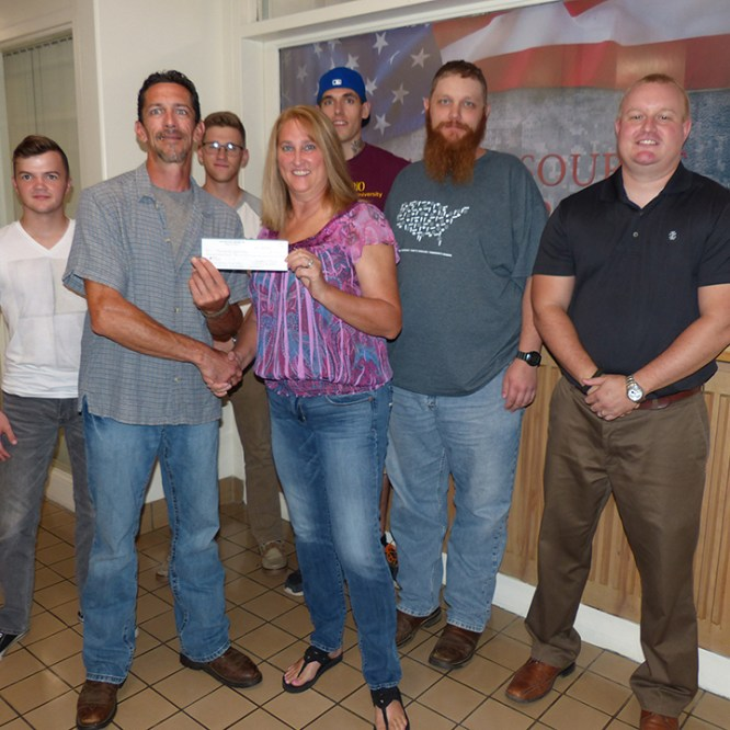 Mansfield VFW Supports MU SVA Chapter with Donation