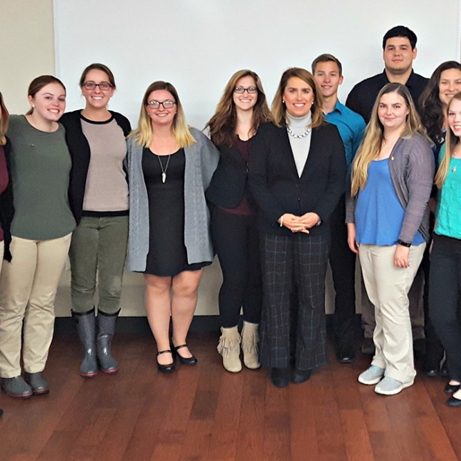 Denise Dieter '90 Returns to Campus to Speak with CJA Students