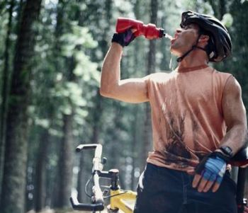 cyclist-drinking-water.JPG