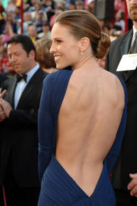 hilary-swank-muscular-back.jpg