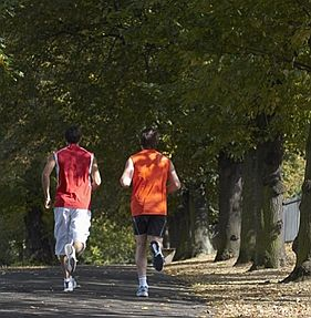 run-with-friend-in-park.jpg