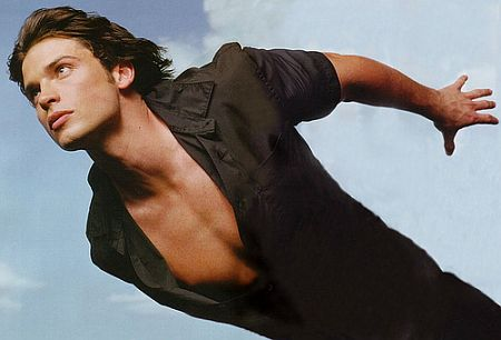 tom-welling-superman-flying.jpg