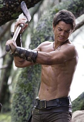 Craig-Horner-Legend-Of-Seeker-Chopping-Wood.jpg