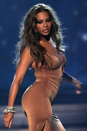 Beyonce-Butt-Stage-Fat.jpg