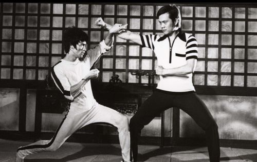 Bruce-Lee-Fighting-Pose.jpg