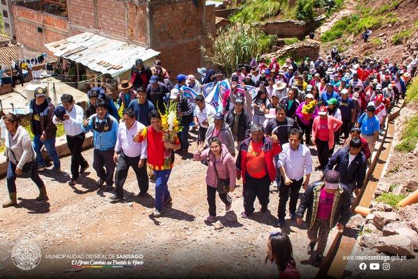 PRONTO SE EJECUTARA EL ANILLO VIAL QUE UNIRA A LAS 12 BASES DE LA MARGEN DERECHA, COMUNIDADES CAMPESINAS Y HUANCARO