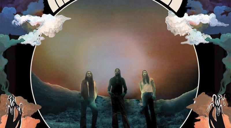 Capa do disco New Beginnings da banda Radio Moscow